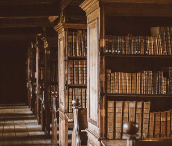 Γιατί να δανείζεσαι βιβλία από βιβλιοθήκη